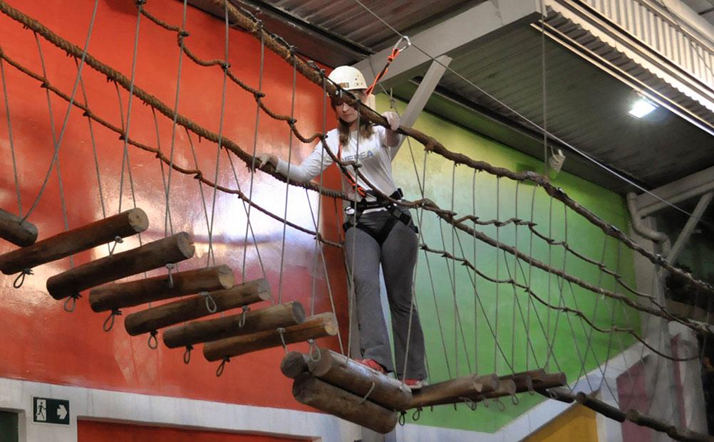 Segurança em circuito de aventura infantil